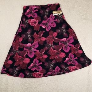 """Tanjay """"Berry Floral"""" Skirt NWT"""
